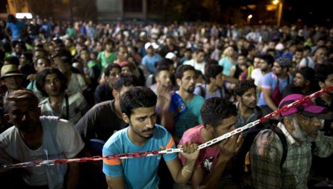 'Sīrija kļūst tukša': kāpēc un kā sīrieši masveidā bēg no dzimtenes