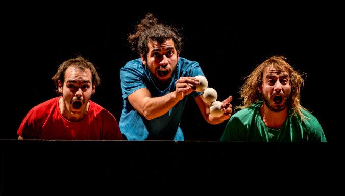 Рижский цирк предлагает французское шоу для всей семьи Piti Peta Hofen Show