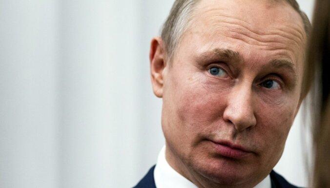 Putins atlaidis 11 ģenerāļus