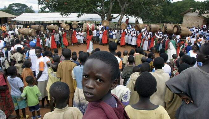 Лауреат Нобелевской премии переизбрана на пост президента Либерии