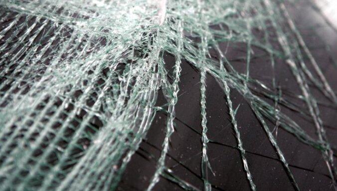 Госполиция: за сутки в ДТП на дорогах Латвии пострадали 10 человек
