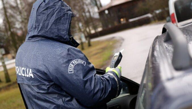 Tiesa neapcietina dzērumā braukušo 'Lexus' vadītāju par traģiskas avārijas izraisīšanu