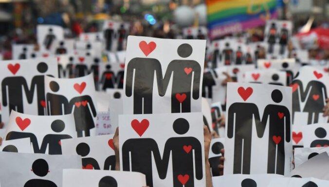 Шотландская епископальная церковь одобрила гей-браки