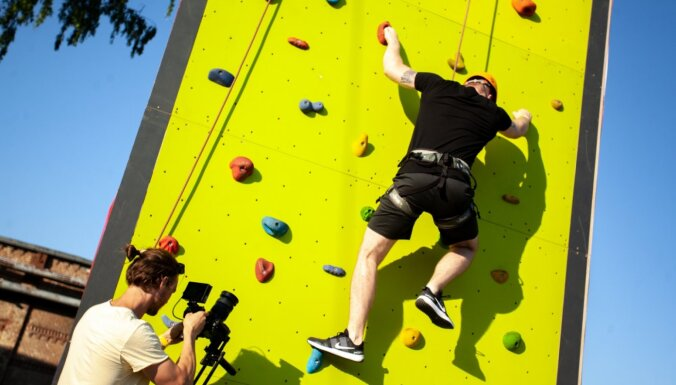 Rīgā atklāts izklaides tornis ar četrām aizraujošām aktivitātēm