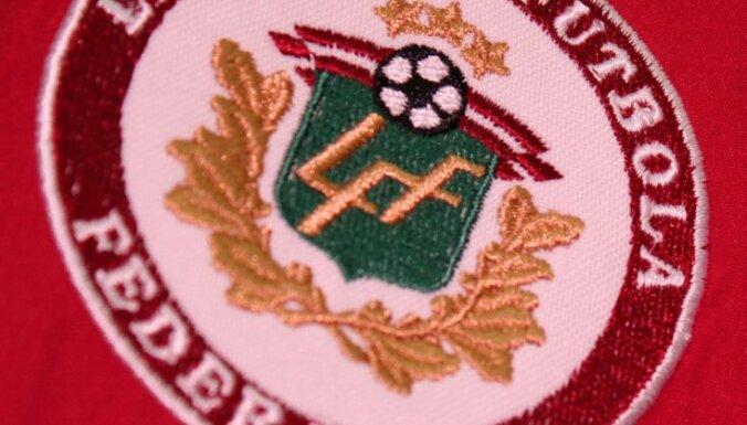 Valodas centrs ierosina lietu par futbola izlases preses konferenci tikai krieviski