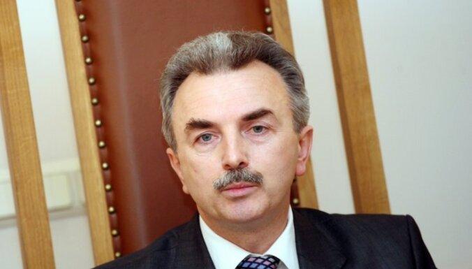 Kūtris un Muižniece atsakās komentēt ierosinājumu par kriminālvajāšanu