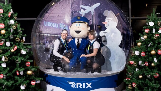 Video: Lidosta 'Rīga' pārsteidz ceļotājus ar iespēju fotografēties sniega bumbā