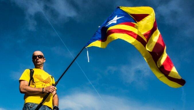Spānijas sociālisti nesadarbosies ar partijām, kas atbalsta Katalonijas neatkarības referenduma rīkošanu