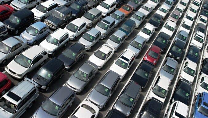 """Торговля подержанными автомобилями остается в """"черной"""" зоне"""