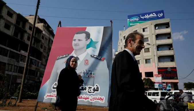 Covid-19 ierobežojumu mazināšana: Sīrijas Asads brīdina par katastrofu