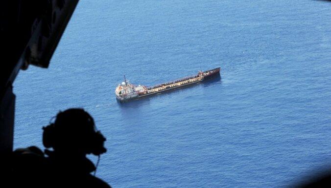 Irāna, atbildot uz sankcijām, draud bloķēt tankkuģu ceļu
