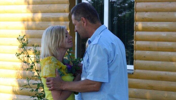 Ar cerībām uz vairākām kāzām noslēdzas 'Saimnieks meklē sievu'