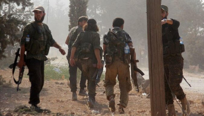 Uzlidojumos Sīrijā nogalināti 25 džihādisti