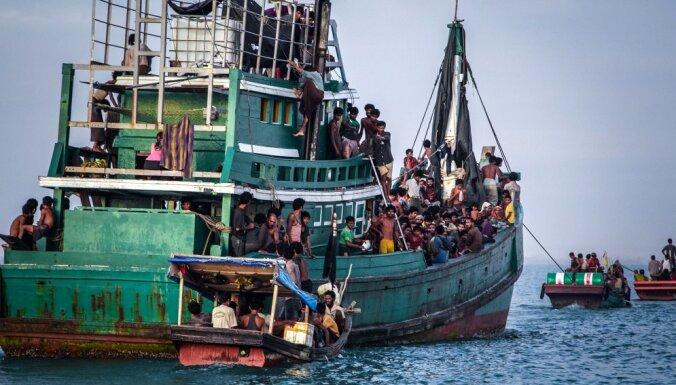 Austrālija, visticamāk, kontrabandistiem maksājusi par bēgļu sūtīšanu atpakaļ