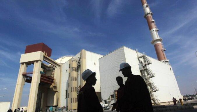 Иран построит вторую АЭС и продолжит обогащать уран