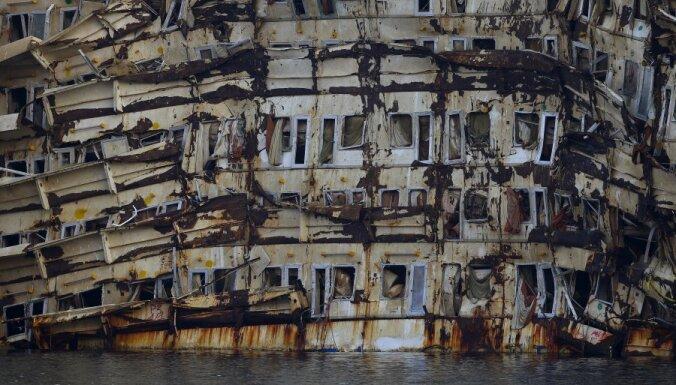 ФОТО: как выглядит сегодня затонувший круизный лайнер Costa Concordia