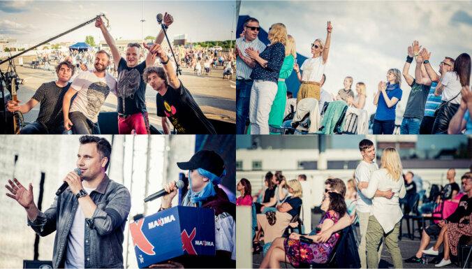 Foto: Lielveikala stāvvietā tauta beidzot tiek pie dzīvās mūzikas lustēm