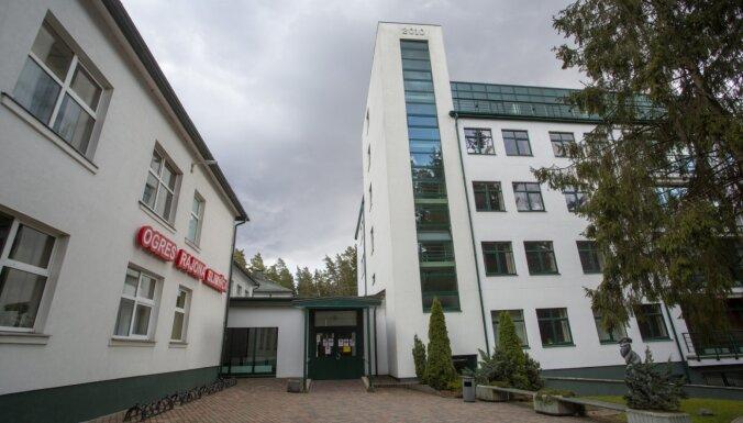 Ogres slimnīca sūdzas par nespēju uzņemt pacientus no Rīgas