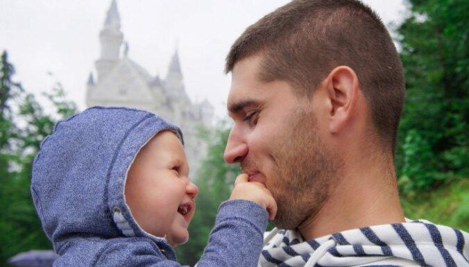 Padomu špikeris 'svētdienas tētiem': kā saglabāt saikni ar bērnu