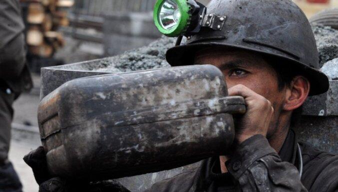 Sprādzienā šahtā Ukrainā gājuši bojā 16 ogļrači