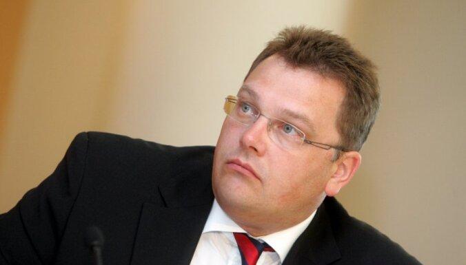 Рунгайнис: Латвии противопоказаны теплые отношения с Россией