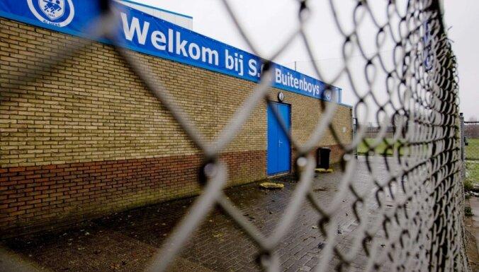Pēc pusaudžu futbolistu uzbrukuma Nīderlandē miris līnijtiesnesis