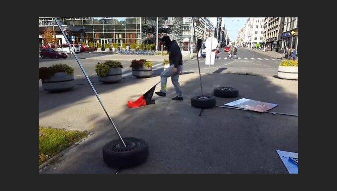 """Задержан второй подозреваемый в разрушении выставки """"Люди Майдана""""; мужчина пытался сбежать в Великобританию"""