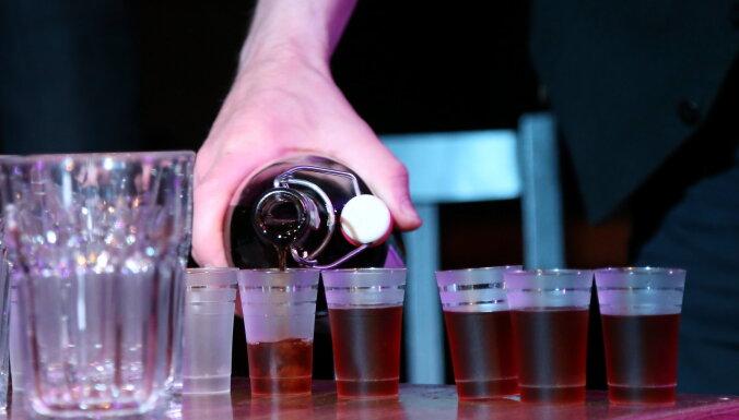 Сейм концептуально одобрил снижение акциза на крепкий алкоголь на 15%