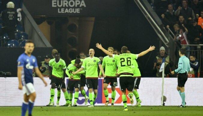 Ajax celebrate winning Europa League quarterfinal vs FC Schalke