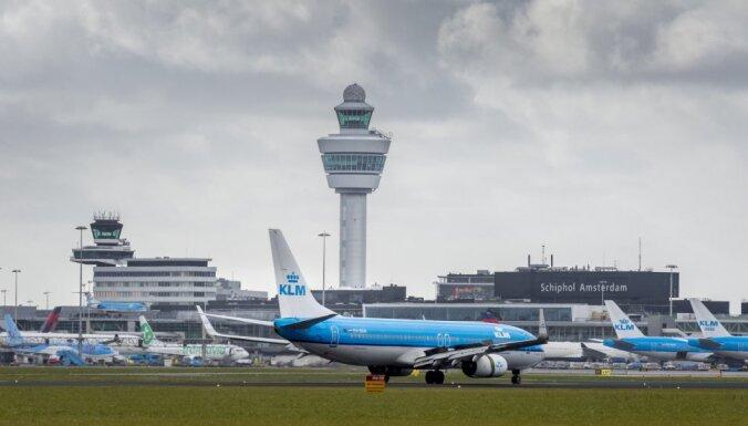 ВИДЕО: Экстремальные посадки самолетов в шторм в Амстердаме