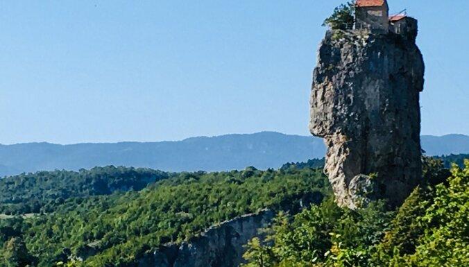 Если не Тбилиси, то Кутаиси: Золотое руно, памятники Саакашвили, исполнение желаний