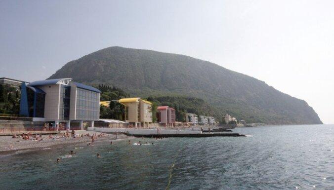 Невъездное сало. Как крымчане подготовились к курортному сезону на непризнанном полуострове