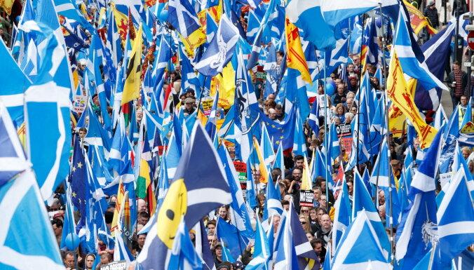 Vairākums britu atbalsta referendumus par Ziemeļīrijas un Skotijas atdalīšanos