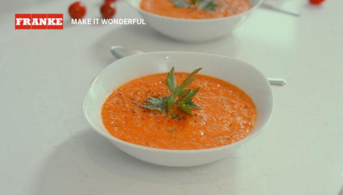 Ceptu tomātu un paprikas biezzupa