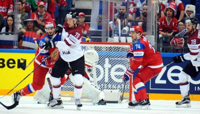 Latvijas hokejisti sestajā PČ spēlē pietaupa līderus un spēkojas ar Krieviju