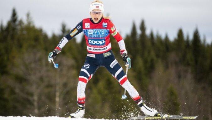Norvēģijas distanču slēpotājiem dubultuzvara Pasaules kausa sacensībās Lillehammerē
