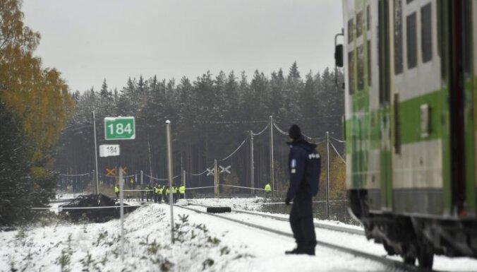 В Финляндии пассажирский поезд столкнулся с БТР: четверо погибших