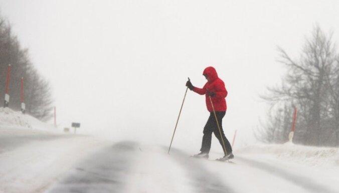 На север Европы обрушились мощные снегопады и сильные ветры