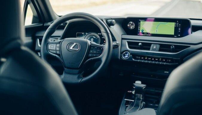 Pirmie iespaidi: kompaktais apvidnieks 'Lexus UX'