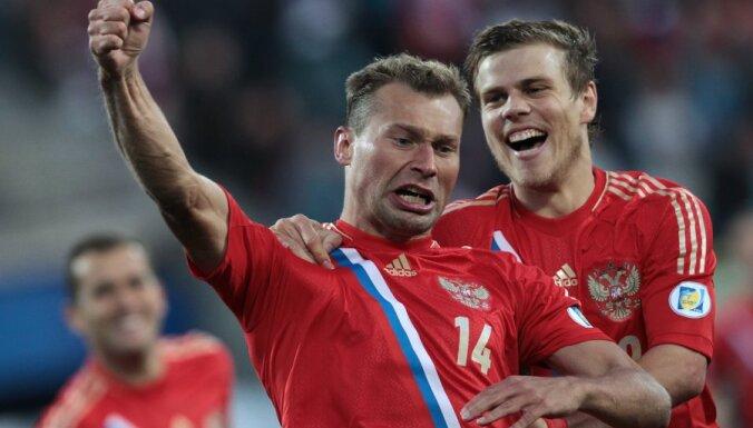 Россияне выбрали капитаном Березуцкого из-за знания английского