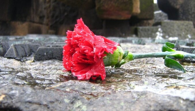 В Екабпилсе отреставрировали Братское кладбище