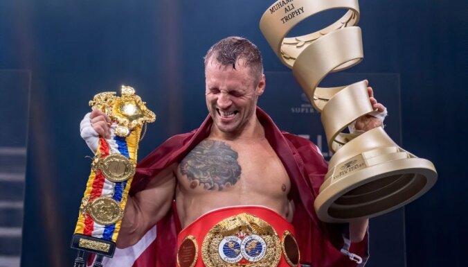 Боксер Майрис Бриедис признан лучшим спортсменом Латвии в 2020 году