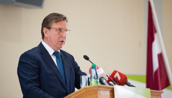 Кучинскис: гражданство — не подарок, который можно так просто раздавать