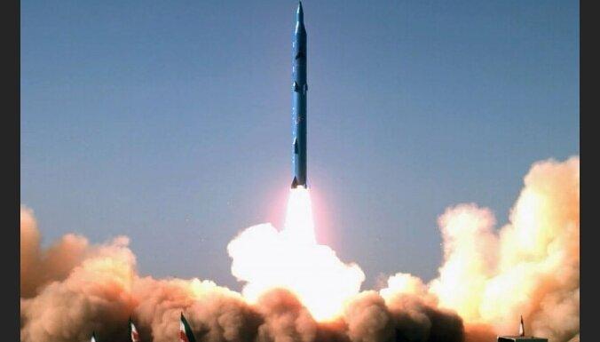 Иран: ракета доставила на орбиту червей и крысу