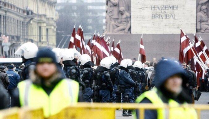 Закрыты административные дела против антифашистов, задержанных во время шествия легионеров