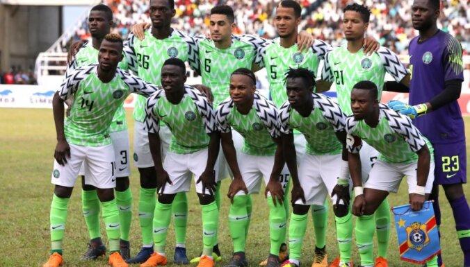 Nigērijas futbola izlases krekli popularitātē pārspēj 'Manchester United' formu
