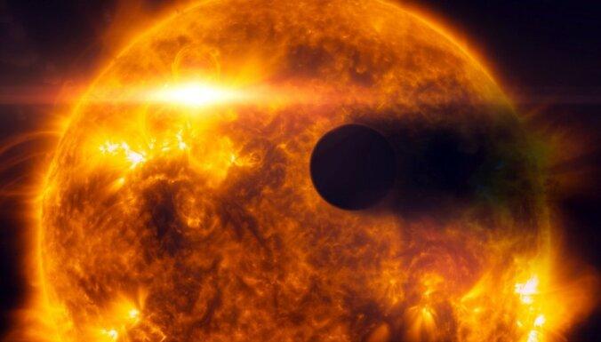 Найдена планета с рубиновыми и сапфировыми облаками