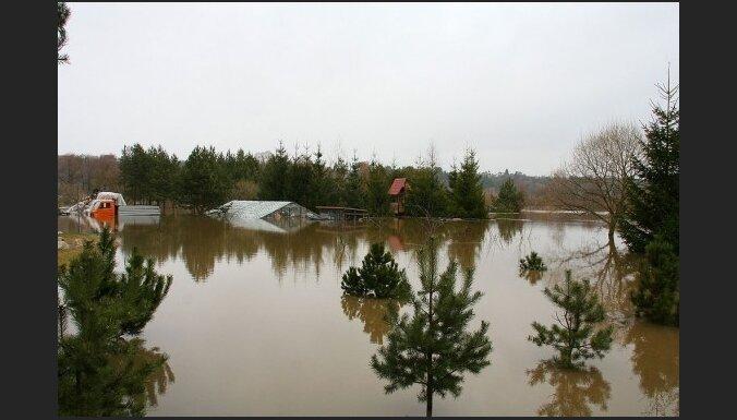 Литва: в зону наводнения направлены амфибии