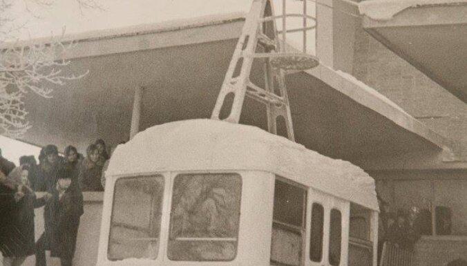 Pirms 47 gadiem pamatīgā spelgonī atklāts Siguldas gaisa trošu vagoniņš