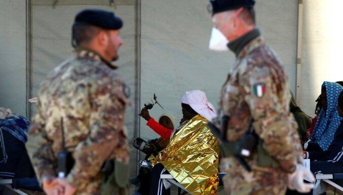 Itālijā populistus vairāk atbalsta imigrācijas, ne eiroskepses dēļ